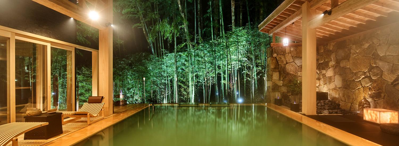 古久庵、小夜、別邸天空に、ご宿泊されている方のみご利用できるラグジュアリー空間 竹城の間。石垣の上の竹林に囲まれたお城のような隠れ家。至上最高のひととき、癒しの空間をお過ごしくださいませ。